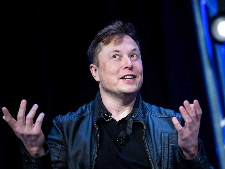 Elon Musk, Neuralink'in Önümüzdeki Yıl İnsan Beynine Çip Takabileceğini Söyledi