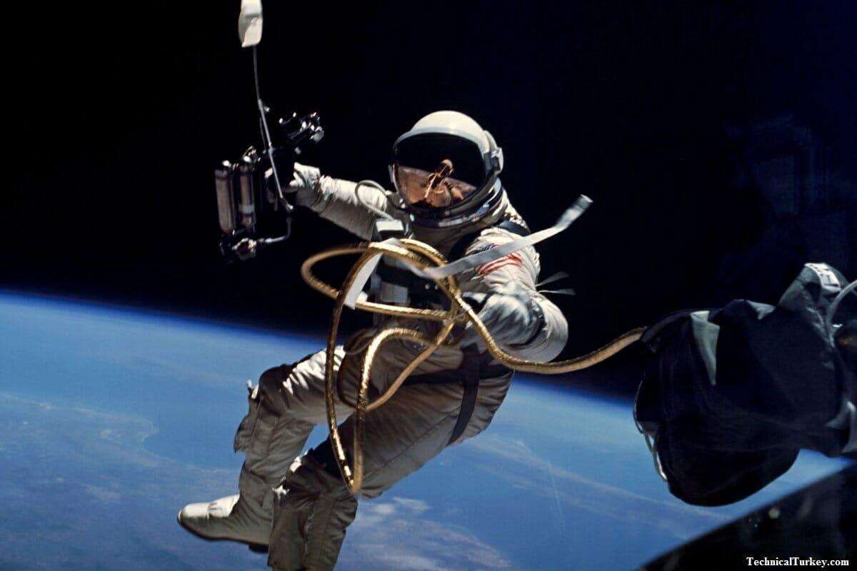 Tarihte İlk Kez Bir Turist, Uzay Yürüyüşü Yapacak